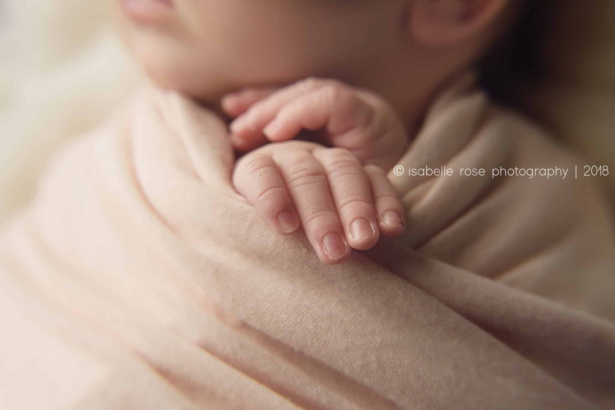 20180625 classic baton rouge baby photographer macro close up baby hands
