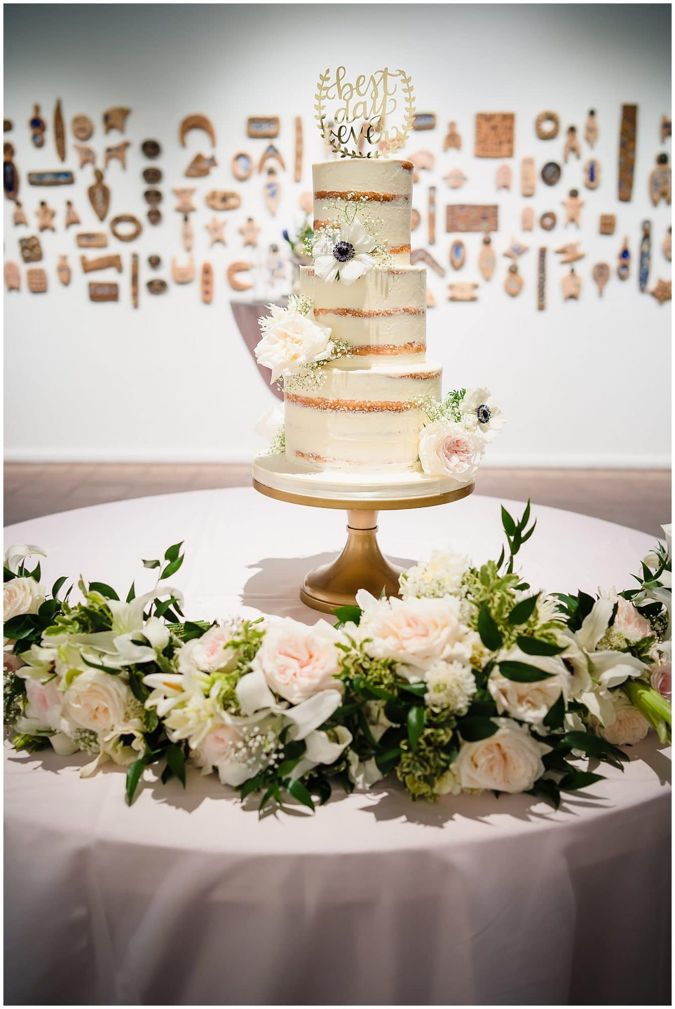 naked wedding cake at Baton Rouge gallery venue