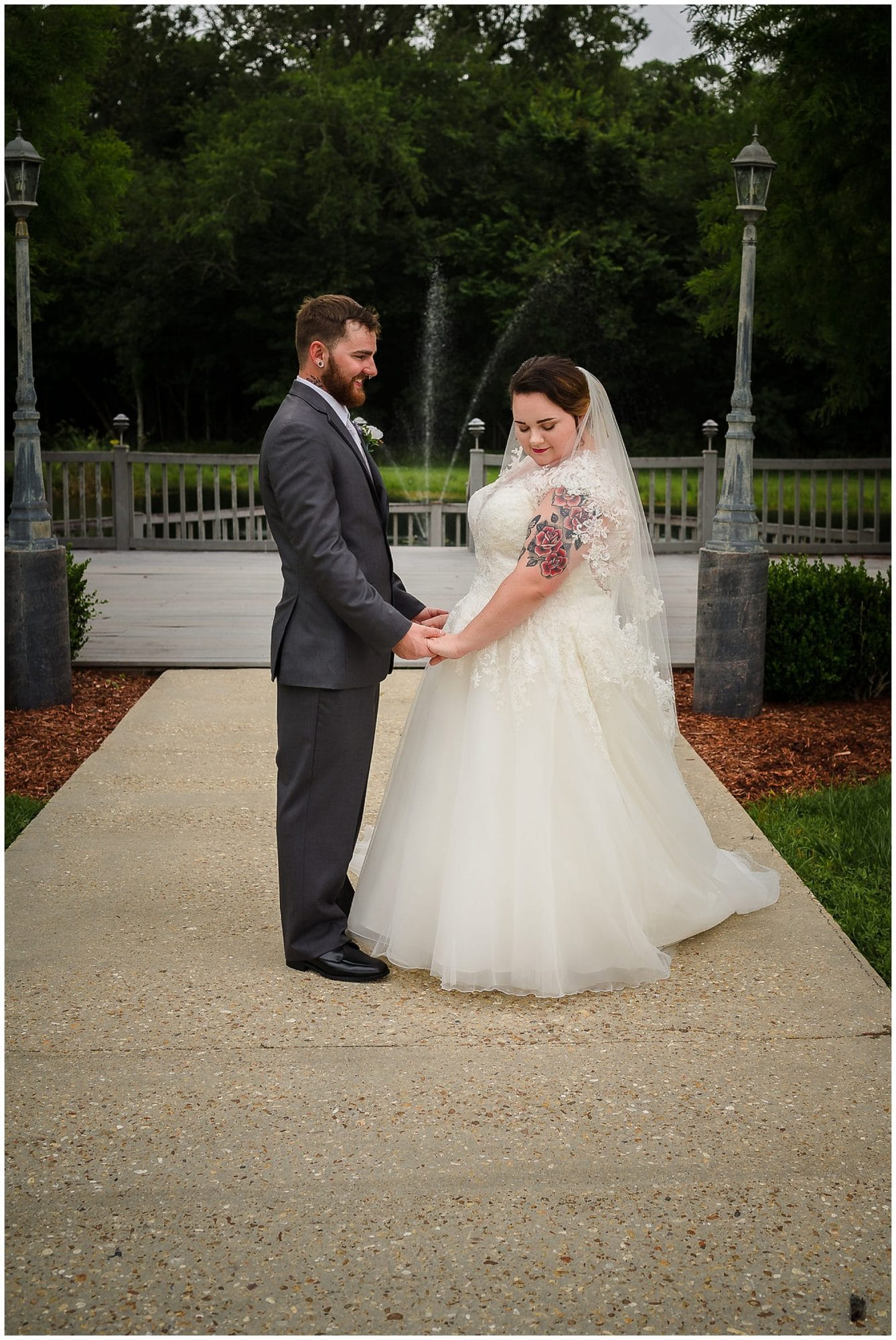 bride and groom posing at Cypress Columns Louisiana wedding venue