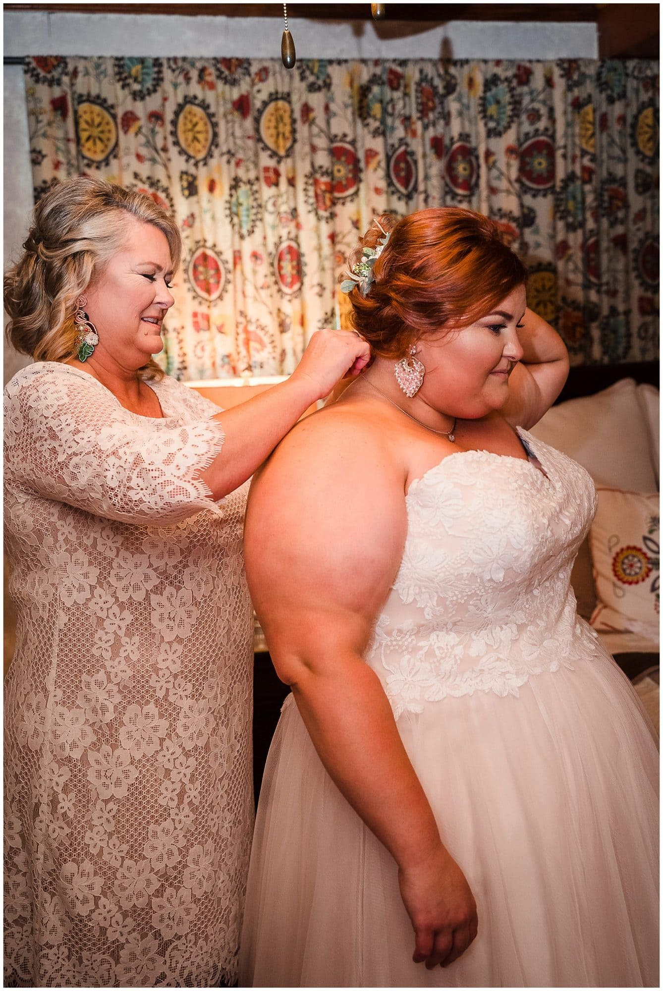 rustic Louisiana wedding bride getting ready