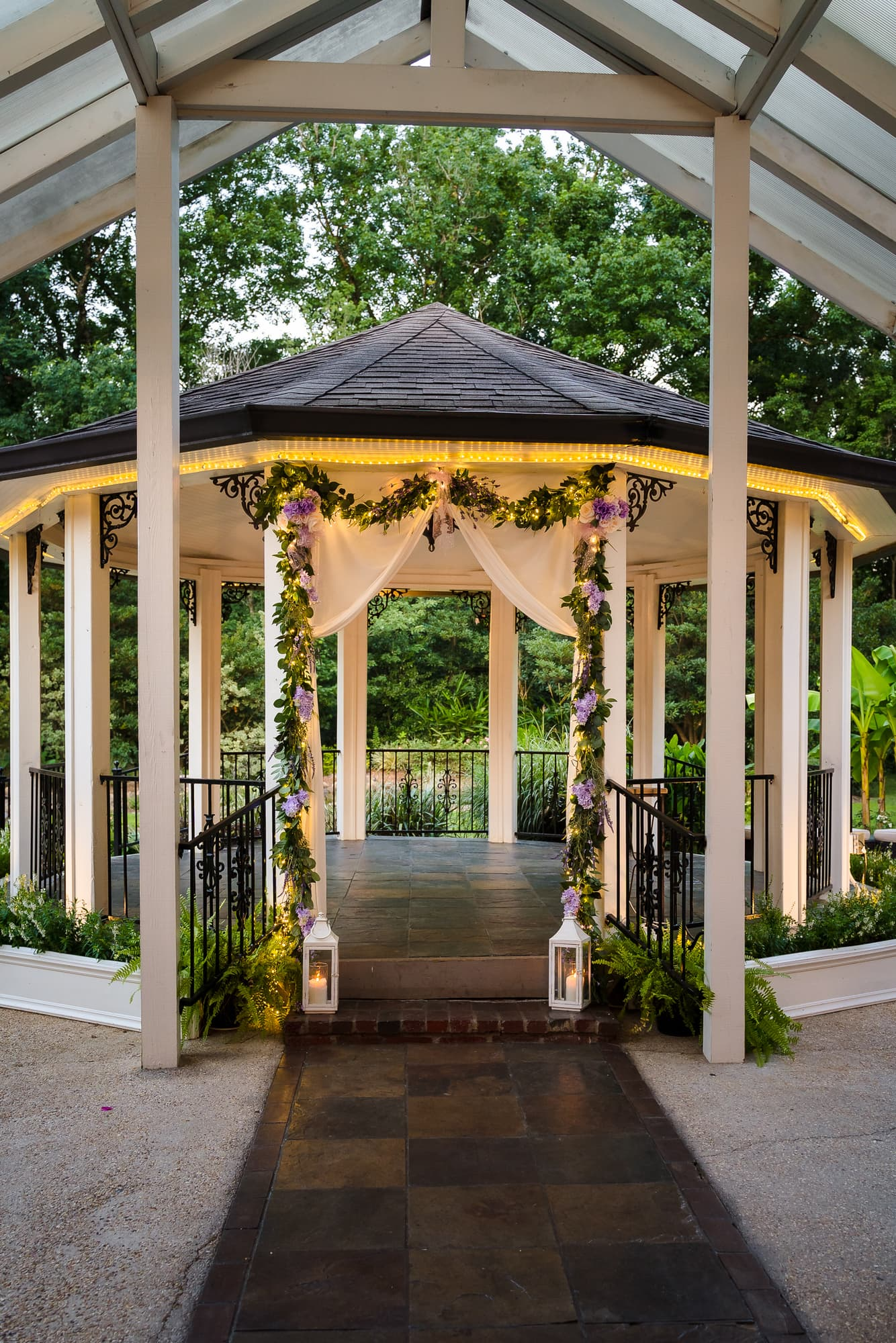 The Gatehouse Baton Rouge Wedding ceremony location lit up