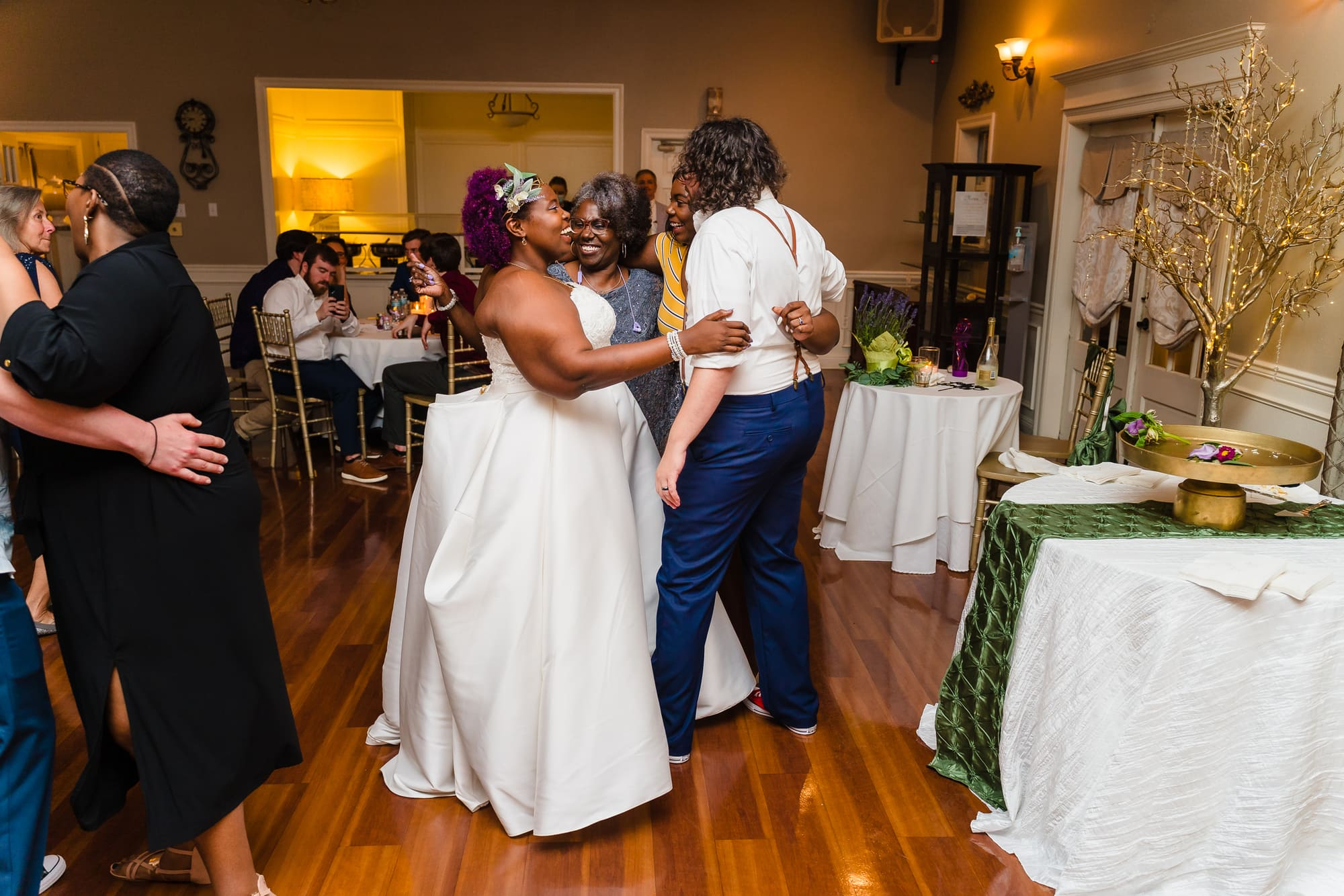 The Gatehouse Baton Rouge Wedding party dancing